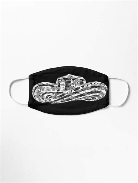 'Sombrero Vueltiao in White and Black Ink Pattern (Black