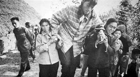 The tallest woman that ever lived was Zeng Jinlian from