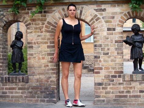 Top 15 Tallest women In The World - Page 6 of 14 - Top
